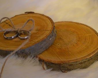 Rustuic wedding ring bearer pillow, wood slice, wooden ring pillow, perisonalised rustic wedding, perosnalied ring bearer pillow,
