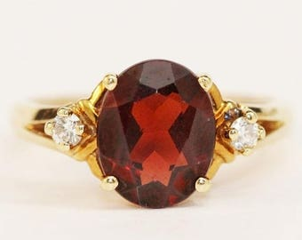 20% OFF January Birthstone - Vintage Oval Cut Garnet Ring Set in 14kt Yellow Gold Size 7.25