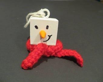 Snowman head cube