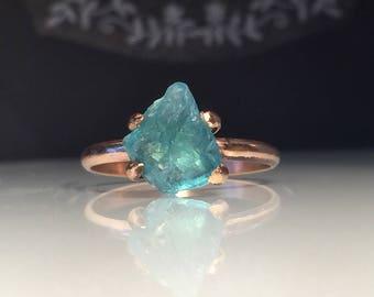 Raw Apatite Ring/Natural Organic Gold Apatite Ring/Healing Crystal Ring/Handcrafted Apatite Ring/Blue Apatite /Girlfriend Gift/Free US Ship