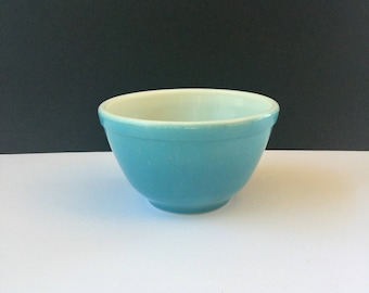 Vintage Blue Pyrex Bowl