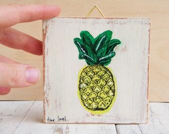 Pineapple, Pineapple wall art, Pineapple decor, Pineapple photo, Pineapple print, Teen decor, Fruit print, Tropical print, Tropical wall art
