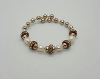Champagne pearl memory wire bracelet  (BR037)