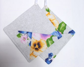Kitchen pot holders Kitchen gift potholders hot pad Fabric pot holders Country kitchen Easter gift sister gift Cooking gift for daughter