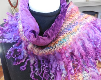 Scarf with tinted double hand spun wool