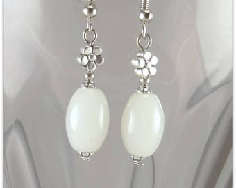 White jade earrings with flower connector - Choose your model - An 123Pierres jewel By MP Bertrand, Paris