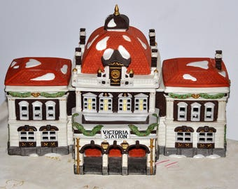 DEPT 56 Victoria Station Dickens Village Series, Heritage Village Collection, Department 56, Lighted House, Collectible House