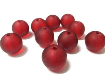 10 frosted red glass beads 12mm (N-38)