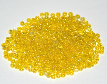 10gr Rainbow yellow seed beads in sky 2mm approximately 800 beads (ref15)