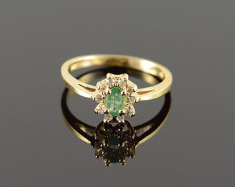 14k 0.30 CTW Emerald Diamond Halo Ring Gold