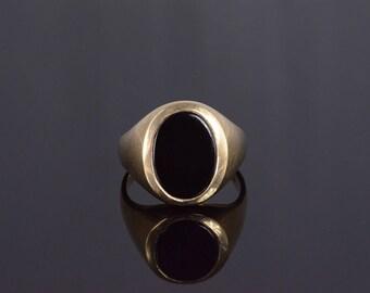 10k Black Onyx Oval Bezel Set Mens' Ring Gold