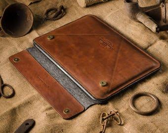 Macbook Air 13 case leather, Macbook Air Sleeve, Crazy Horse leather, brown, 100% wool felt, Macbook Air hard case, distressed leather