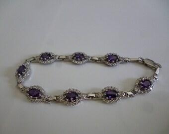 Bracelet d'une élégance d'Améthyste et Quartz blanche  argent**Expédition gratuite au Canada**Free shipping to Canada**