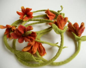 Felted flowers necklace, Orange felted flowers, Flowers necklace, Felt collar, Valentine's gift, Accessory for all seasons
