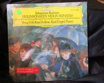 Brahms Yong Uck Kim Karl Engel  Violinsonaten Violin Sonatas – Nr.1 Op.78 Nr.3 Op.108 No.1 Op.78 No.3 Op.108  DG  2530 298