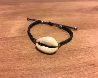 Hand-Made Macramé-Brass with Seashell Bracelet, Multi-Colored