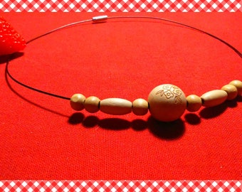 """Very pretty necklace """"chocker No. 2"""" steel and its light wood beads"""