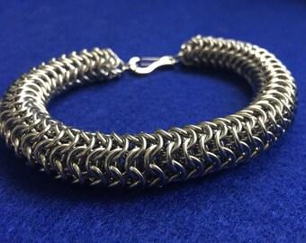 Captive Roundmaille Bracelet