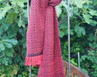 Scarf hand-woven of alpaca wool