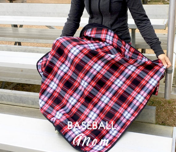 Sports Mom Blanket, Baseball mom, Football Mom, Soccer Mom, Hockey mom, Sports Blankets, Gift for sports fan, Tailgating mom, Sports Blanket