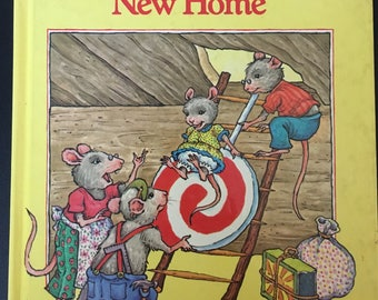 The Mouse Family's New Home, Golden Sniff it book,1981hardback book