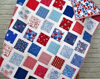 Modern Quilt - Red White and Blue - Modern Baby Quilt - Modern Toddler Quilt - I Spy Quilt