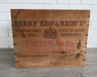 Vintage Cutty Sark Scotch Whisky Crate, Rustic Wooden Crate with Lettering, Vintage Liquor Crate,  Wood Whiskey Crate, Rustic Wood Crate