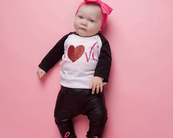 girl valentines day outfit, baby girl valentines day shirt, toddler girl, v-day shirt, love, toddler valentines raglan, baseball tee, glitte