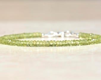 August Birthstone Bracelet, Christmas Gift For Her, Peridot Birthstone Bracelet, Beaded Bracelet, Peridot Jewelry, Silver Gemstone Bracelet