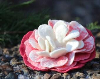 Wool flower brooch, felted flower brooch, rose pink flower, merino wool flower pin, white felt flower, gift for women, wedding flower