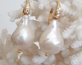 White Baroque pearl earrings and silver with Zircons