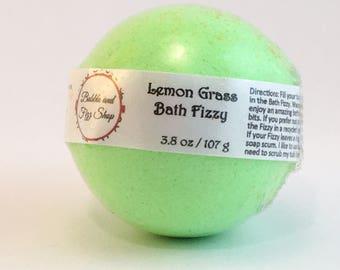 Bath bomb - Bath fizzy - Lemongrass scented - Lemon grass - Gift for her - Birthday gift - Gifts under 10 - Bath bombs wholesale - Lush bath