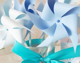6 pinwheels (3 lavender blue - 3 light blue) paper (120 gr) mounted on vintage paper straws.