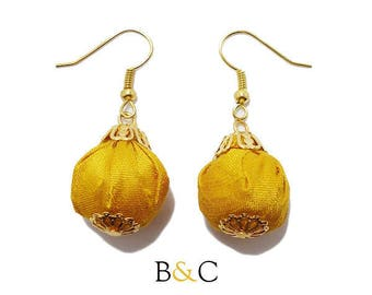 Earrings Retro wedding golden yellow silk fabric pouch.