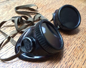 SteamPunk/Welders Goggles by National w/removable glass lenses made of bakelite