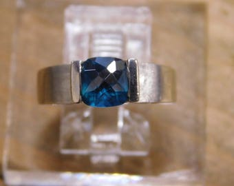 Sterling Silver Ring with Blue Stone Size 7