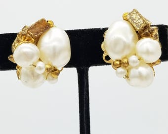 Vintage Signed Judy Lee Gold Tone & Faux Pearl  Clip Earrings
