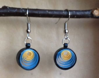 Quilling paper rolled round earrings