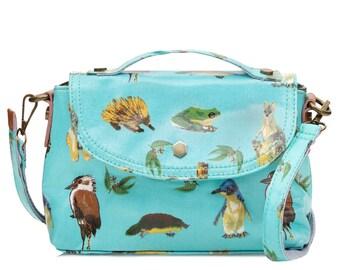 SALE! Oilcloth Crossbody bag- Ladies Zip purse- Australia animal print- Ladies handbag- Oil cloth women satchel- Teen girl- Laminated cotton