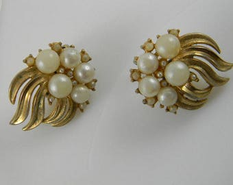 Vintage Crown Trifari Gold Tone & Faux Pearl Clip-On Earrings 1950's-60's