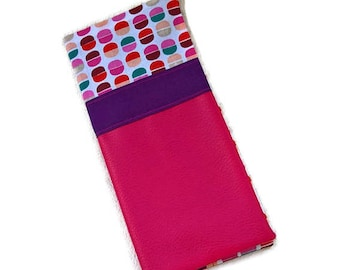 Protects the fuchsia leatherette family book