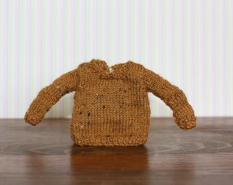 sweater for Blythe