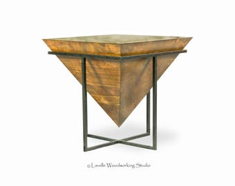 Mara Table Inverted Pyramid in Metal Base