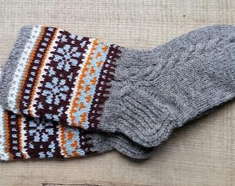 Wool socks, patterned hand knit, pure wool, Latvian pattern, grey, size S