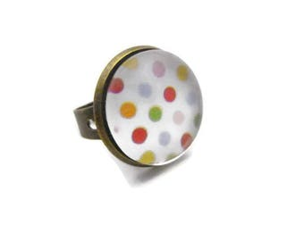 Ring round cabochon picture multicolored dots