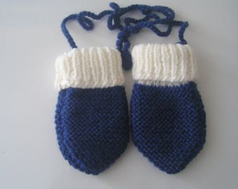 Mittens for baby 1-6 month White/Navy color hand-knitted