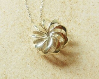 Rosette - Sterling Silver Pendant Made Using 3D Printing - MADE-TO-ORDER/3D Printed Pendant
