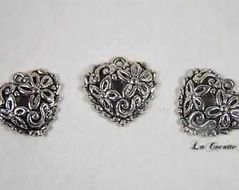 Pattern in antique silver heart charm / Tibetan silver x 3