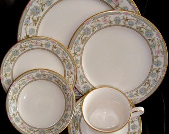 Noritake Ivory China Myioshi 84 PC Dinnerware Set Discontinued 1975 - 1986