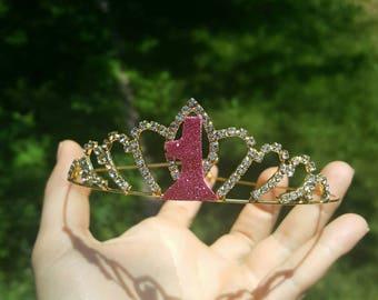 First Birthday crown. Birthday headband. First Birthday tiara. Baby Girl Birthday crown. First Baby Girl crown. Princess crown. Photo Prop